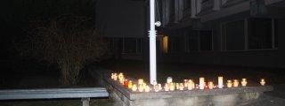 Pedagogai dega žvakeles