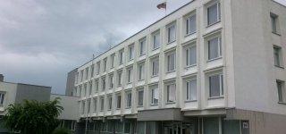 Jurbarko rajono savivaldybės administracija skelbiamų  derybų būdu perka 1-o kambario ir 3-jų kambarių butus