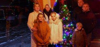 Raudonėnus garsina Kalėdų nameliu paversta Bernotų sodyba