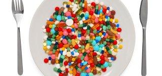 Paskelbtas sąrašas vaistų, kuriais bus prekiaujama parduotuvėse ir degalinėse