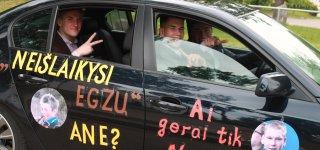 Nuskambėjo paskutinis skambutis Jurbarko gimnazijos abiturientams (VIDEO)