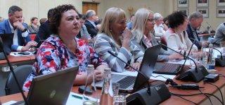 Taryboje –  nauja, išskirtinai moteriška, frakcija