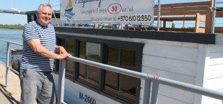 Laivavedys savo pomėgį pavertė darbu – siūlo plaukiojimą Nemunu (nuotraukos, video)