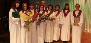 """2009 m. """"Vadžgirio sakralinės muzikos ansambliui"""" įteikta """"Aukso paukštė"""" kaip geriausiam vokalinės muzikos ansambliui Lietuvoje."""