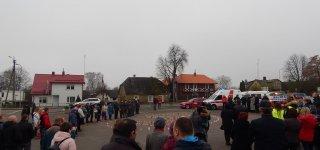 Jurbarkiečiai uždegė žvakeles žuvusiems keliuose atminti