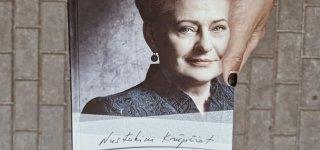 Skaitomiausių knygų penketukai: jurbarkiečiams įdomiausios valdingų moterų istorijos