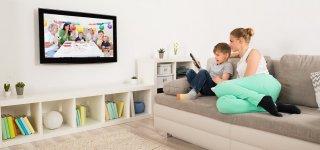 Televizijos keičia programų tinklelį – filmai ir laidos namuose likusiems vaikams ir jaunimui