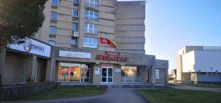 Nuo koronaviruso gydytas Jurbarko viešbučio svečias pasveiko