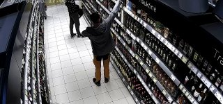 Sulaikyti Lietuvos prekybos centruose galimai vagiliavę asmenys