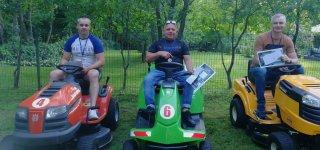 Raudonėje surengtos pirmosios sodo traktoriukų slalomo varžybos
