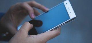 Naudojimasis mobiliaisiais telefonais vairuojant - pažeidimas
