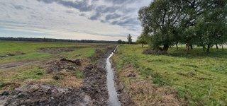 Vykdomi sureguliuoto Akmenos upelio tvarkymo darbai