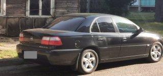 Teismą pasiekė byla dėl asmens padegusio Jurbarko policijos pareigūno automobilį