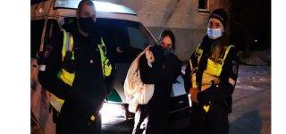 Jurbarko policininkai saugiai sugrąžino namo dingusį šunelį