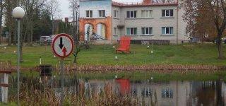 Nebus galima privatizuoti Raudonės pilies tvenkinio