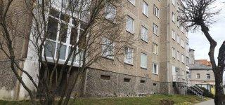 Trijuose Jurbarko daugiabučiuose paskelbtas draudimas rūkyti balkone