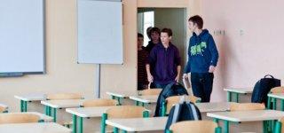 Taisyklės, leidžiančios mokiniams grįžti į klases, patvirtintos: dabar turi apsispręsti savivaldybė