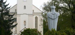 Veliuonos bažnyčios bokštas jau papuoštas laikrodžiu