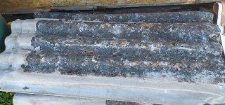 Regionuose veikiančios didelių gabaritų atliekų surinkimo aikštelės iš vieno gyventojo (rinkliavos mokėtojo) per metus nemokamai priimama iki 15 asbestinio šiferio lapų.