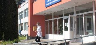 Karantinas baigėsi, bet artimųjų lankymas ligoninėse neatlaisvėjo