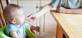 Kada kūdikiai pradeda vartoti maisto produktus?
