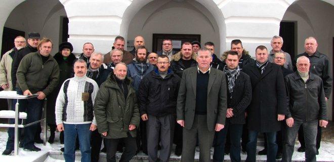 Prie naujo visuomeninio judėjimo šeštadienį prisijungė 28 asmenys, kurie beveik visi atsargos kariškiai, karininkai, savanoriai, nusivylę dabartine situacija Lietuvoje. Iniciatyvinėje grupėje - 8 asmenys. Pirmininkas - Č.Šlėgaitis