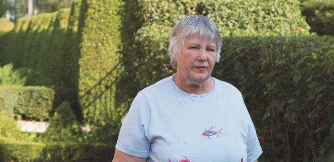 Iš Butkaičių kaimo kilusi Leonora Mickūnienė, papasakojusi apie pokario partizanus, šiuo metu su vyru Vytautu gyvena Raudonėje.