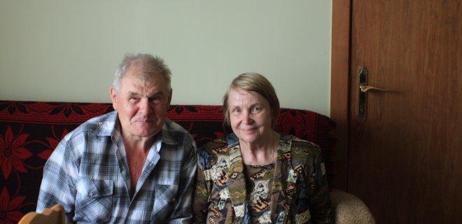 Kęstutis ir Eleonora Girdžiai kartu jau 48-eri metai. Abu tremtiniai susipažino Smalininkuose, čia ir gyvena. Aktyviai dalyvauja Lietuvos PKTS Jurbarko skyriaus veikloje.