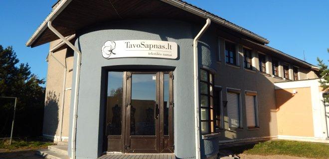 Abi parduotuves rasite Jurbarke, Dariaus ir Girėno g. 79A, internete www.tavosapnas.lt