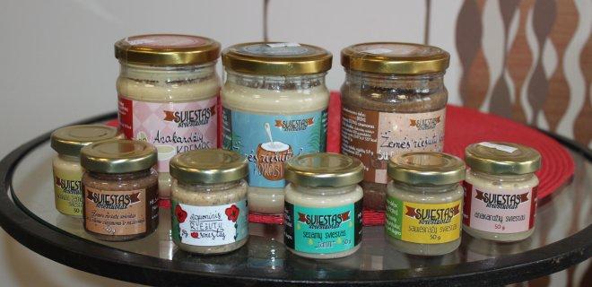 Įvairūs riešutų sviestai – skanūs ir naudingi sveikatai.