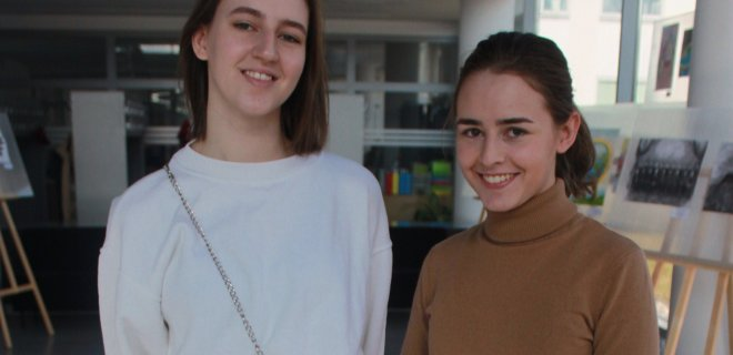 Diktantą raįė studentės seserys Kotryna ir Martyna