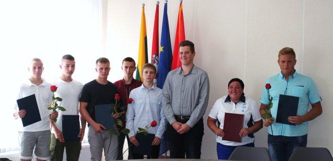 Daugiausiai premijų susižėrė D. Arlauskaitės treniruojami imtynininkai.