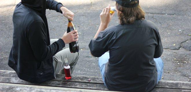 """Nuo ankstyvo amžiaus pradedamas ir ilgus metus trunkantis alkoholio vartojimas lemia rimtas sveikatos problemas. / """"Santarvės"""" redakcijos archyvo nuotr."""