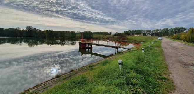 Sutvarkytas Klausučių tvenkinio hidrotechnikos statinys