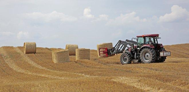 Bendradarbiaudami smulkūs ūkiai gali įsigyti modernios technikos ir įgyja teisę naudotis ja lygiomis dalimis. / Ričardo PASILIAUSKO nuotr.