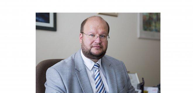 Vilniaus miesto psichikos sveikatos centro vadovas, gydytojas psichiatras M. Marcinkevičius kiekvienam pataria naudotis suteiktomis galimybėmis ir grįžti į normalų socialinį gyvenimą, nepamirštant užtikrinti savo ir aplinkinių saugumo. / Vilniaus miesto psichikos sveikatos centro archyvas nuotr.