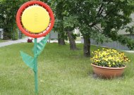Tokiomis originaliomis ir didelių investicijų nereikalaujančiomis gėlėmis galėtų pasipuošti visas Jurbarko miestas.