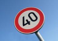 Daugiau nei pusė vairuotojų nuolat važiuoja 10 km/h greičiau nei leistina