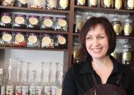 Išlavinę skonį pirkėjai skatina tobulėti ir parduotuvės savininkę