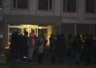 Palaikyti Vilniuje streikuojančių mokytojų prie savivaldybės rinkosi Jurbarko pedagogai