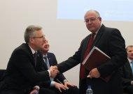 Prie valandačiosios daugumos prisijungė ir visuomeninio rinkimų komiteto atstovas Gintaris Stoškus.