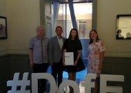 Gimnazistė apdovanota DofE sidabro ženkleliu