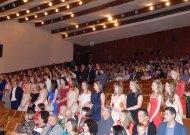 Jurbarko gimnazijos išleistuvėse pagerbė savo šimtukininkus