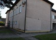 """Ši Jurbarko knygyno siena jau keletą metų yra tapusi """"viešuoju tualetu"""""""