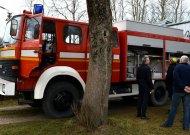 Juodaičių ugniagesiams nupirko gaisrinę autocisterną