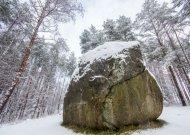 Ką veikti žiemą? Pamatyk 10 saugomų akmenų!