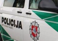 Jurbarke sulaikytas girtas vyras puolė policininką