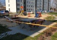 Nuo antradienio dezinfekuoja miesto vaikų žaidimo aikšteles