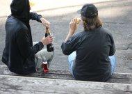 Nuo ankstyvo amžiaus pradedamas ir ilgus metus trunkantis alkoholio vartojimas lemia rimtas sveikatos problemas.