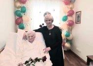 Sveikinimai šimtametei!